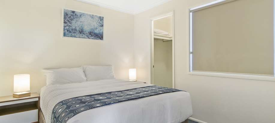 Coogee Beach Cockburn Standard 2 Bedroom Cabin - Sleeps 4
