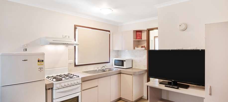 Coogee Beach Cockburn Standard 1 Bedroom Cabin - Sleeps 2