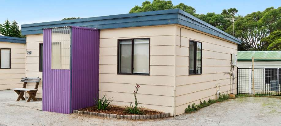 Standard 1 Bedroom Cabin - Sleeps 6