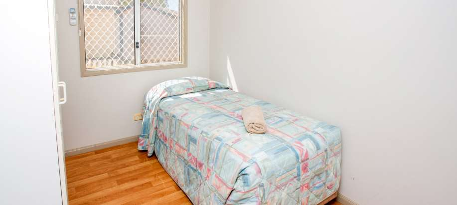 Pilbara Superior 2 Bedroom Cabin - Sleeps 3 - Pet Friendly