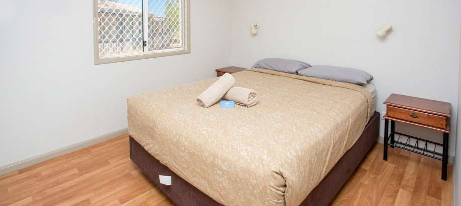 Port Hedland Pilbara Superior Waterfront Cabin Sleeps 3 - Pet Friendly