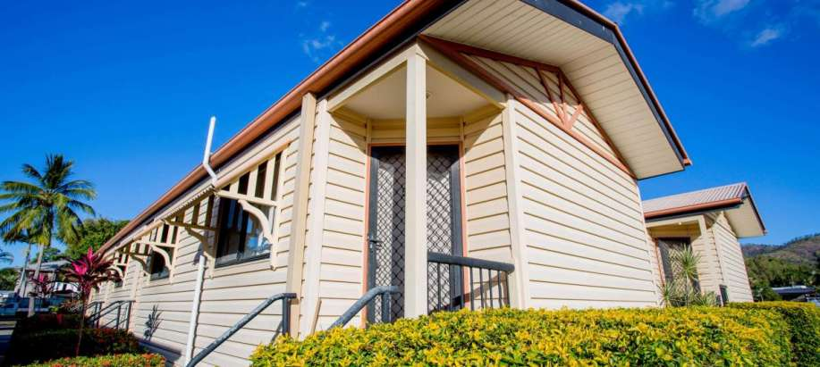 Townsville | Cluden North Queensland Bunk House Queen
