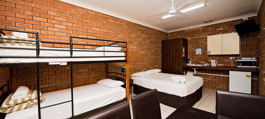 Bunbury South West Economy Room (Sleeps 6)