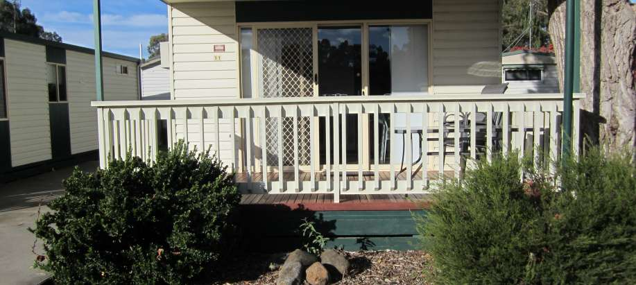 Standard 2 Bedroom Cabin - Sleeps 5