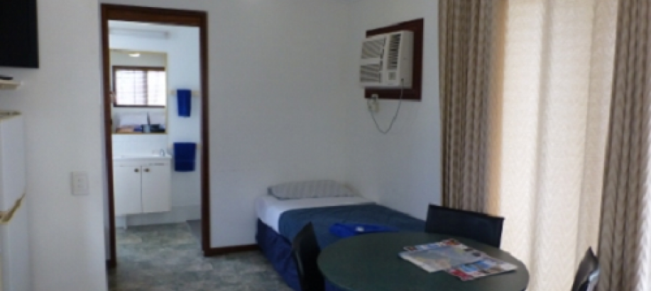 Townsville | Cluden North Queensland Standard 1 Bedroom (2 singles)
