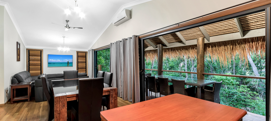 Whitsunday Coast Deluxe Bali Villa