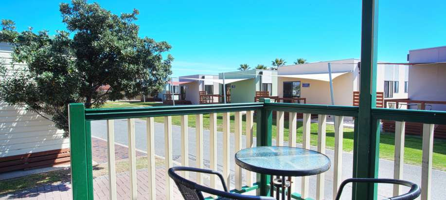 Adelaide Standard 2 Bedroom Cabin - Sleeps 6 - Pet Friendly