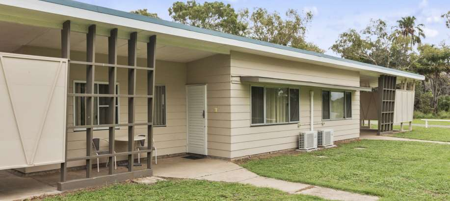 Coolwaters Yeppoon Capricorn Coast Superior 1 Bedroom Cabin