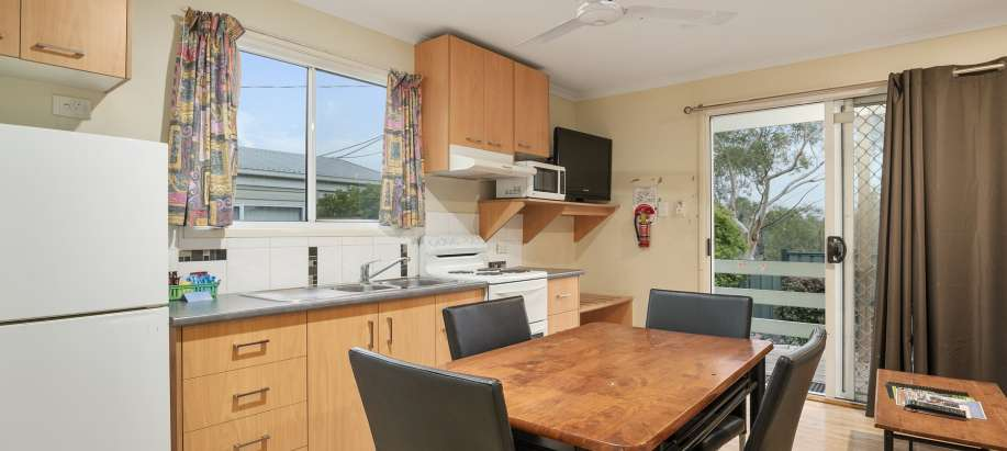 Mount Isa Deluxe 2 Bedroom Cabin - Sleeps 4