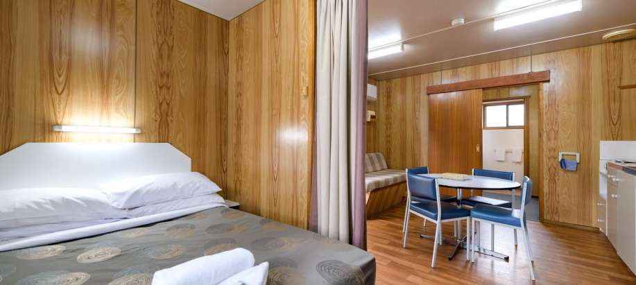 Hobart Economy Studio Cabin - Pet Friendly