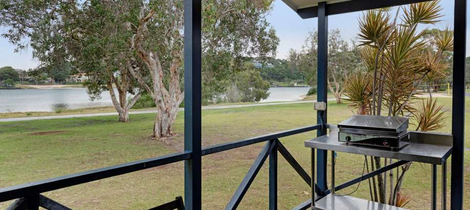 Ballina North Coast Deluxe Waterfront 3 Bedroom Cabin