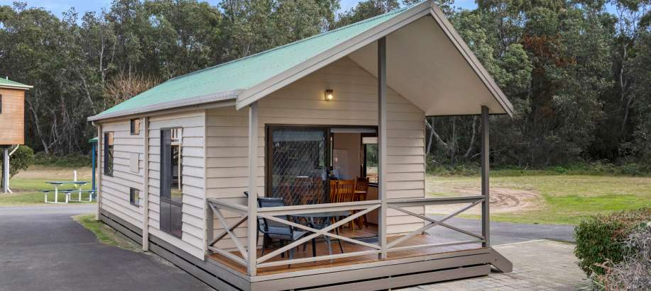 Superior 2 Bedroom Cabin - Sleeps 4