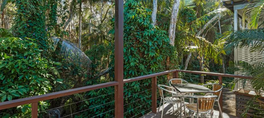 Coffs Harbour Deluxe Frangipani Spa Cabin