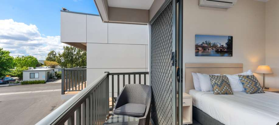Melbourne Deluxe 3 Bedroom Townhouse - Sleeps 6