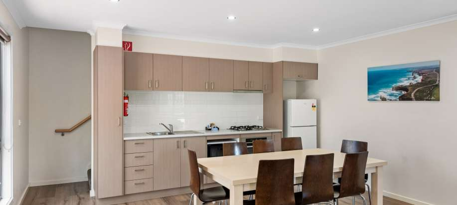 Melbourne Deluxe 3 Bedroom Townhouse - Sleeps 8