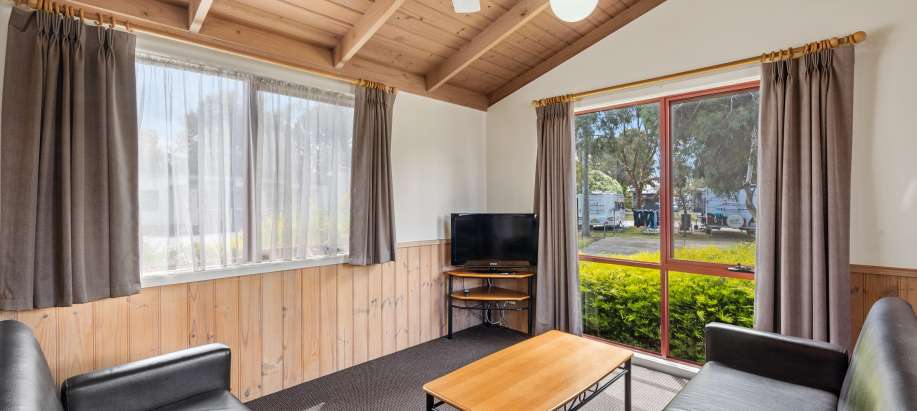 Melbourne Melbourne Superior 2 Bedroom Cabin - Sleeps 4