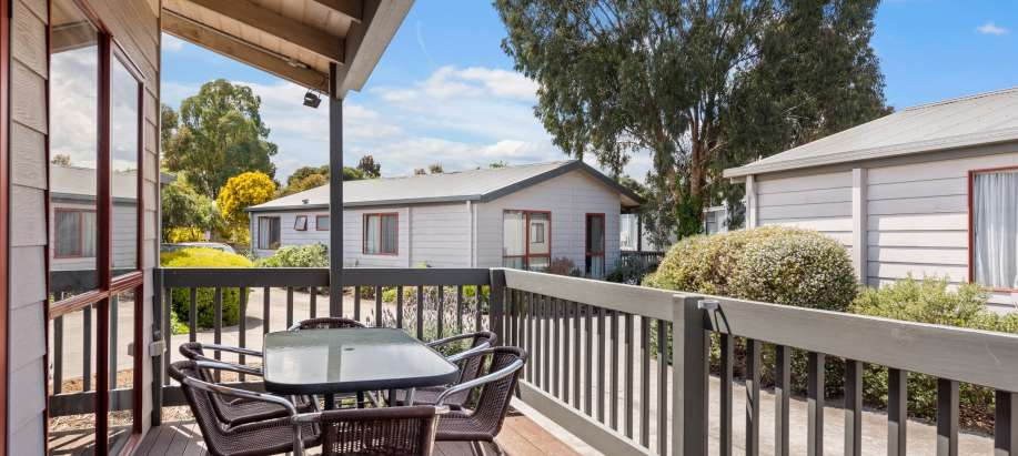 Melbourne Melbourne Superior 3 Bedroom Cabin - Sleeps 6