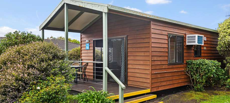 Great Ocean Road Superior 2 Bedroom Cabin - Sleeps 5