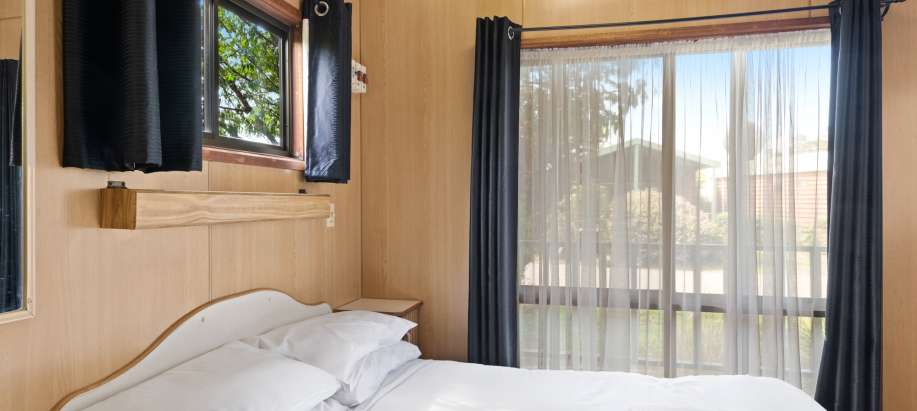 Warrnambool Great Ocean Road Economy Cabin - Sleeps 6
