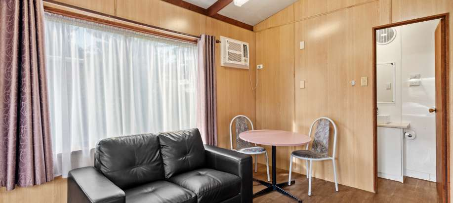 Warrnambool Great Ocean Road Economy Studio Cabin - Sleeps 2