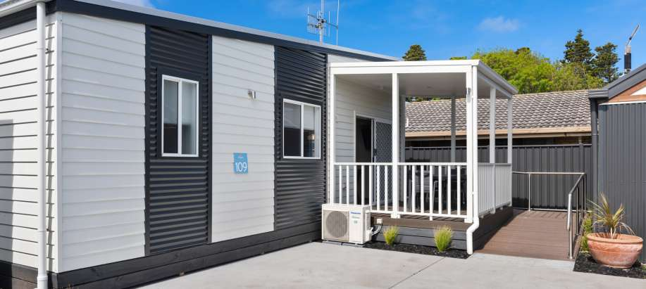Great Ocean Road Deluxe Access Studio Cabin