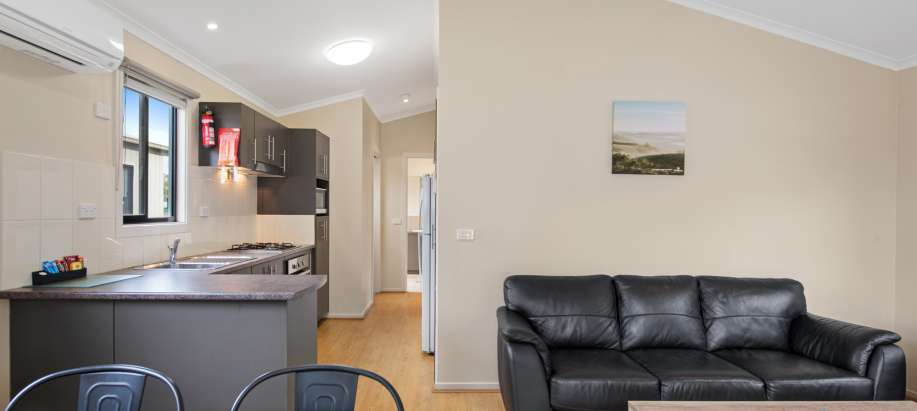 Geelong Superior 2 Bedroom Cabin - Sleeps 5
