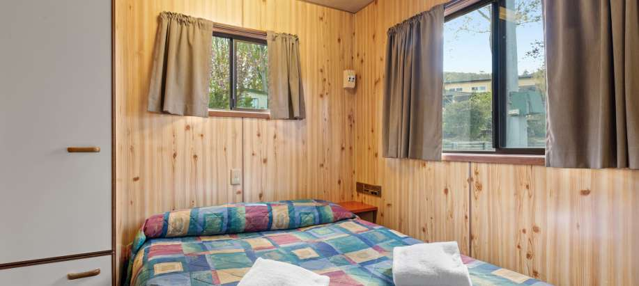 Snowy Mountains Standard Studio Cabin