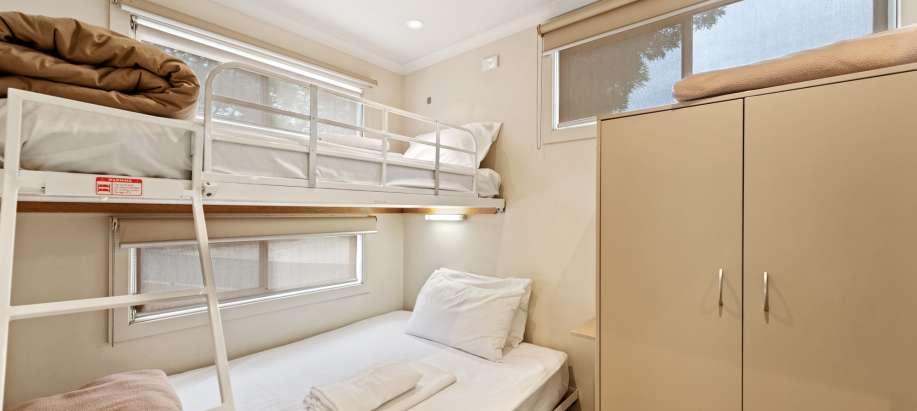 Albury Wodonga Deluxe 3 Bedroom Duplex Cabin
