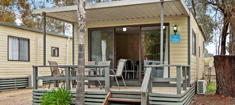 Albury Wodonga Standard 2 Bedroom Cabin - Sleeps 6