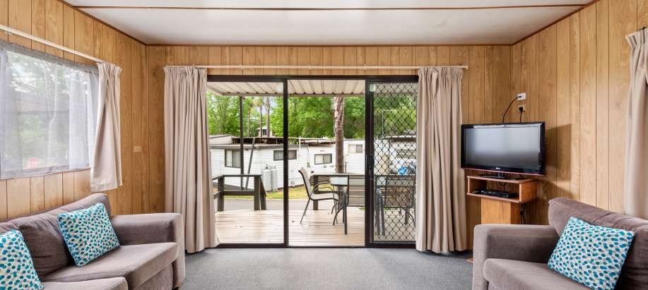 Lake Hume Albury Wodonga Standard 2 Bedroom Cabin - Sleeps 6