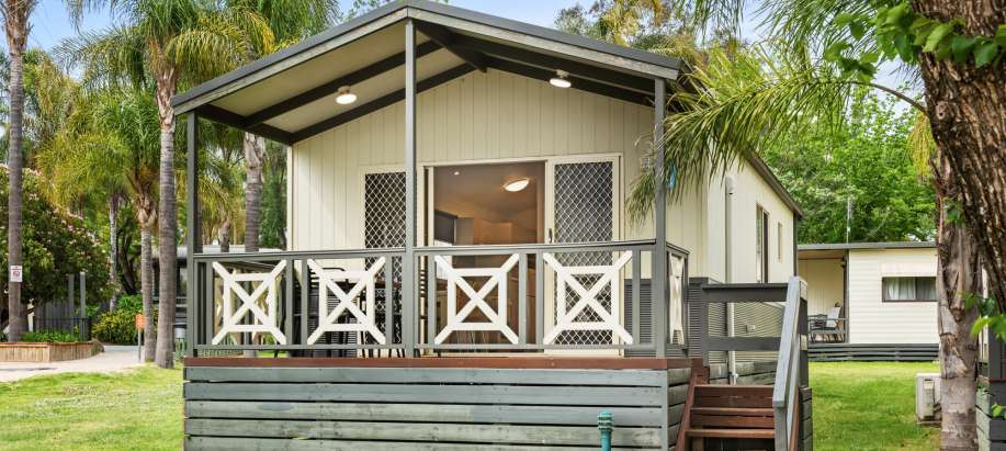Albury Wodonga Superior 2 Bedroom Lakeview Cabin