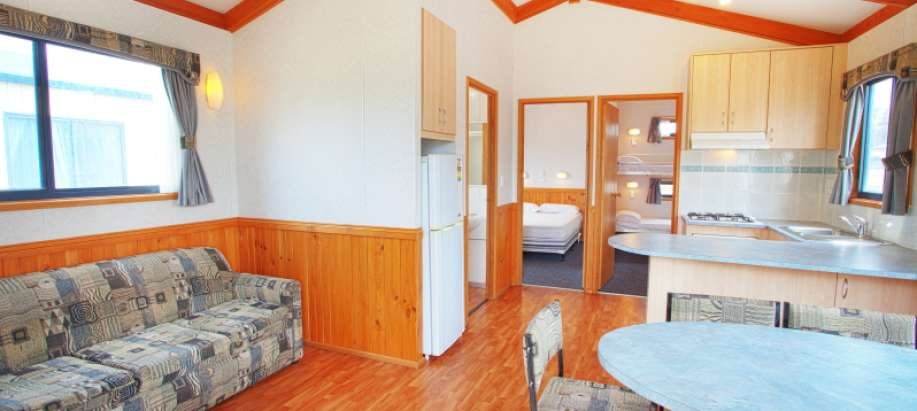 Superior 2 Bedroom Cabin - Sleeps 6