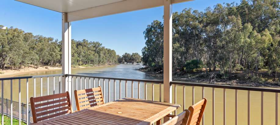 Maidens Inn Moama Murray Deluxe 2 Bedroom Cabin - Sleeps 5 (New)