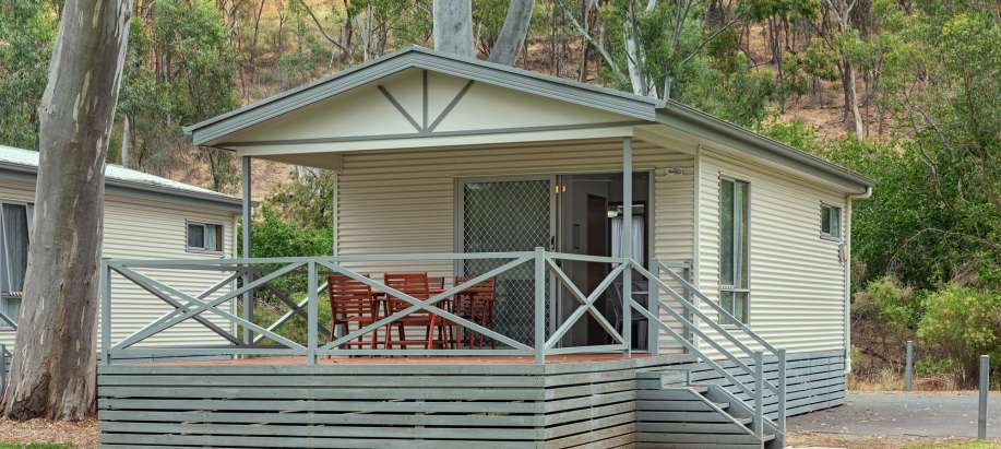 Clare Valley Deluxe 2 Bedroom Cabin - Sleeps 4