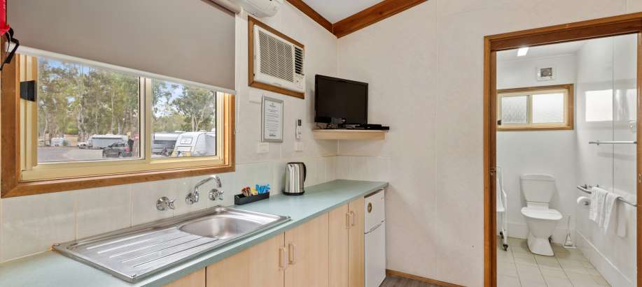 Clare Valley Standard 2 Bedroom Cabin - Pet Friendly