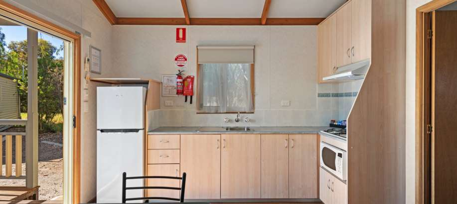 Tanunda Standard 1 Bedroom Cabin - Sleeps 4 - Pet Friendly
