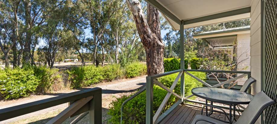 Tanunda Standard 2 Bedroom Cabin - Sleeps 6 - Pet Friendly