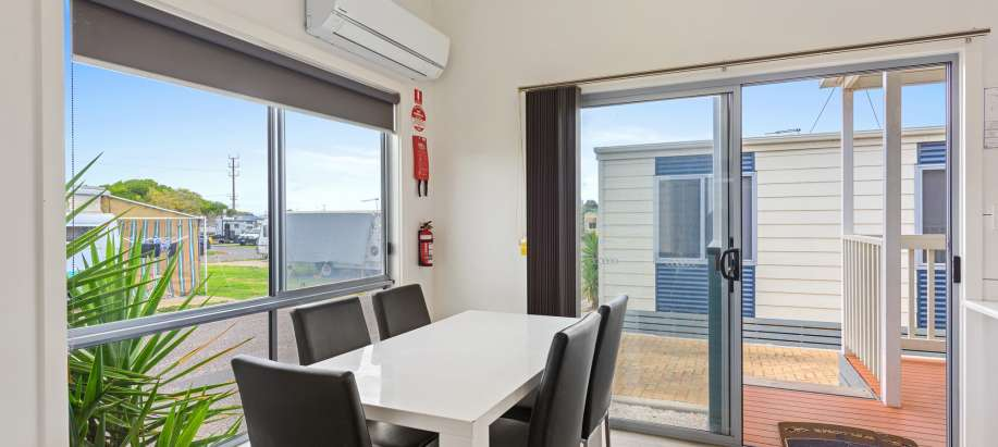 Adelaide Beachfront Adelaide Deluxe 2 Bedroom Cabin
