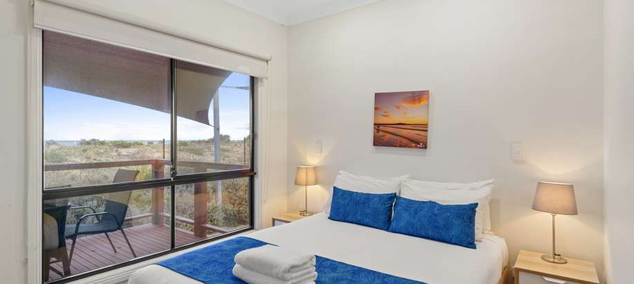 Adelaide Deluxe 3 Bedroom Beach Cabin - Sleeps 6