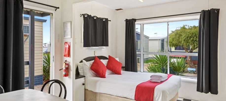 Adelaide Economy Cabin - Sleeps 4