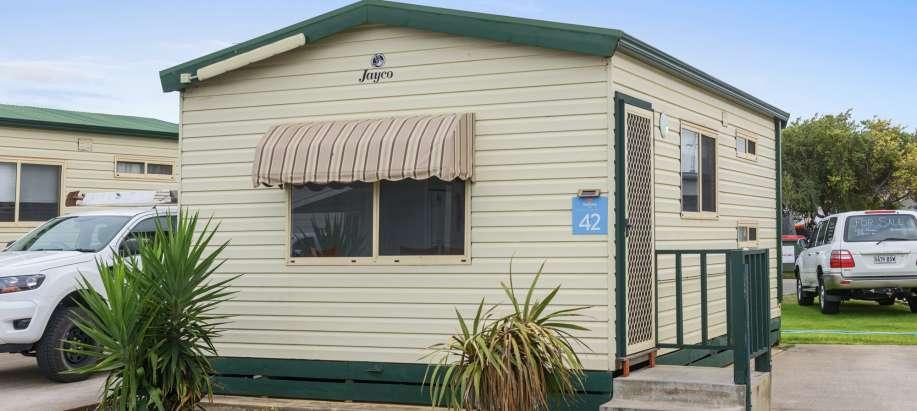 Adelaide Beachfront Adelaide Economy Cabin - Sleeps 6
