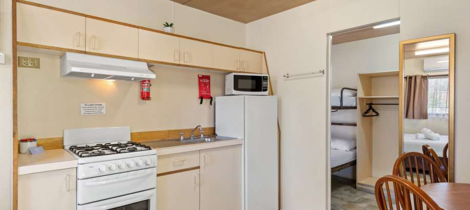 Murray Standard Studio Cabin - Sleeps 6 - Pet Friendly