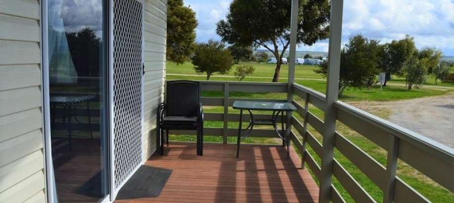 Goolwa Fleurieu Peninsula Superior 2 Bedroom Access Cabin - Sleeps 6