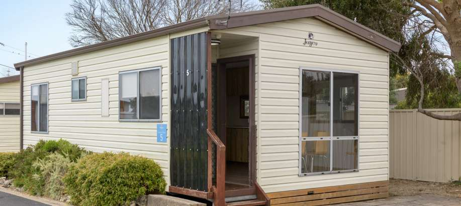 Limestone Coast Standard 2 Bedroom Cabin - Pet Friendly