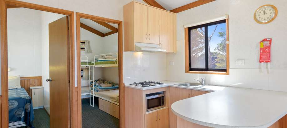 Whyalla Foreshore Spencer Gulf Superior 2 Bedroom Cabin - Sleeps 6 - Pet Friendly