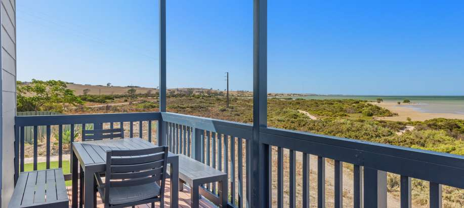 Streaky Bay Foreshore Eyre Peninsula Deluxe Beachfront 3 Bedroom Cabin