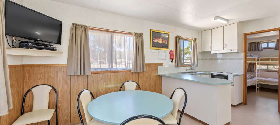 Eyre Peninsula Economy 2 Bedroom Cabin