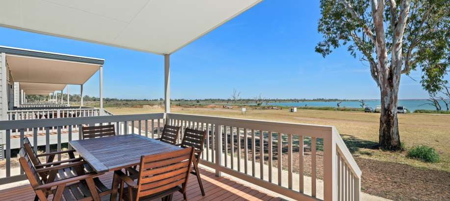 Barmera Riverland Deluxe 2 Bedroom Cabin - Sleeps 6