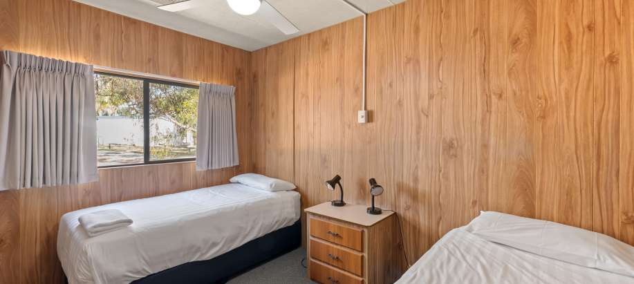 Lake Bonney Barmera Riverland Standard Cabin - Sleeps 4
