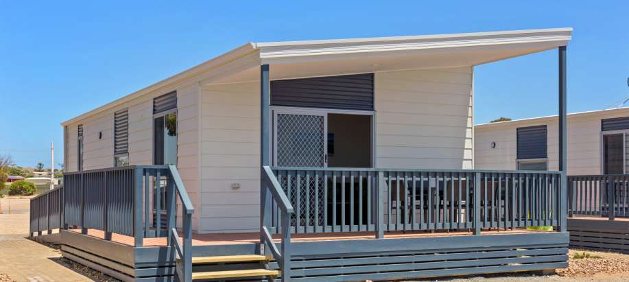 Eyre Peninsula Deluxe 2 Bedroom Beachfront Access Cabin